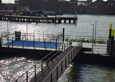 drijvende padelbaan floating padel
